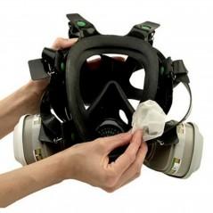 Nettoyez efficacement les masques de peintre en carrosserie avec les lingettes 3M.